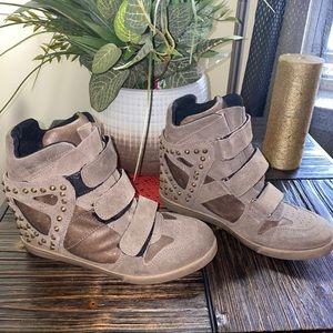 Modern vice sneaker wedge